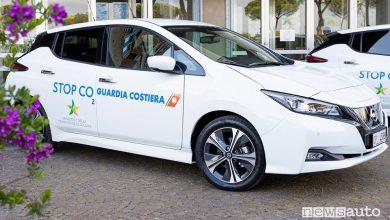 Vista di profilo Nissan Leaf della Guardia Costiera