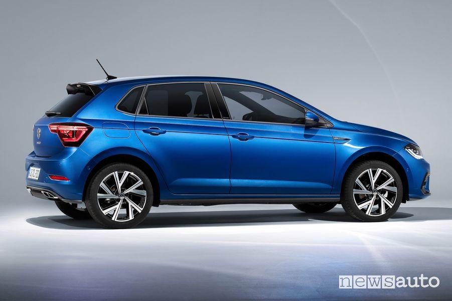 Vista laterale nuova Volkswagen Polo R Line