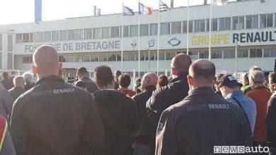 """Protesta lavoratori Renault, manager sotto """"sequestro"""" a Caudan"""