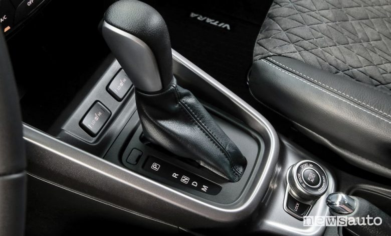 Leva cambio automatico abitacolo Suzuki Vitara Hybrid