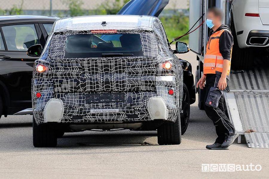 Come sarà il posteriore della futura BMW X8