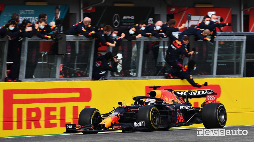 F1 Gp Emilia Romagna, vittoria per Verstappen ad Imola