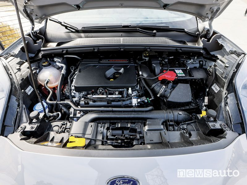 Vano motore Ford Puma ST in prova
