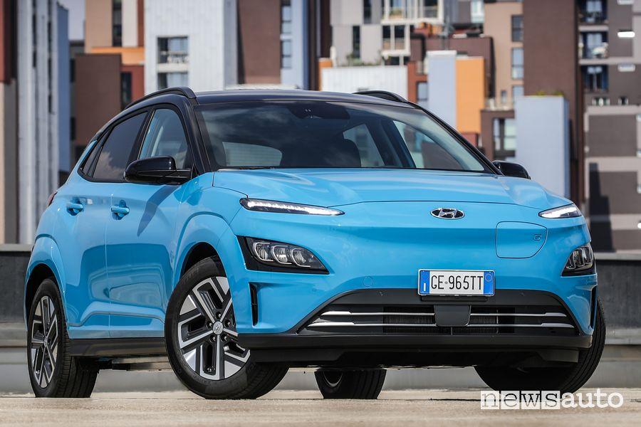 Vista di profilo Hyundai Kona Electric