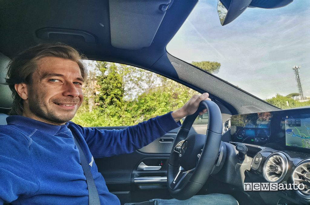 Marco Paternostro guida Mercedes EQA 2021