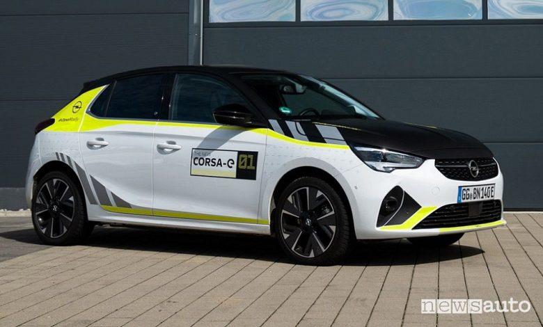 Auto elettrica wrappata, l'Opel Corsa-e con livrea da rally