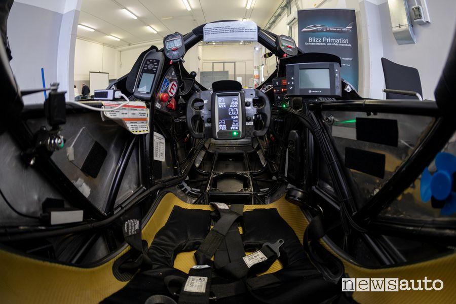 Abitacolo Blizz Primatist monoposto elettrica dei record di velocità sulla pista di Nardò