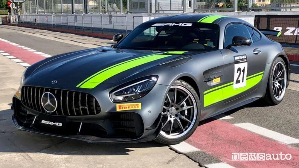 Mercedes-AMG GT R che paga il superbollo in Italia