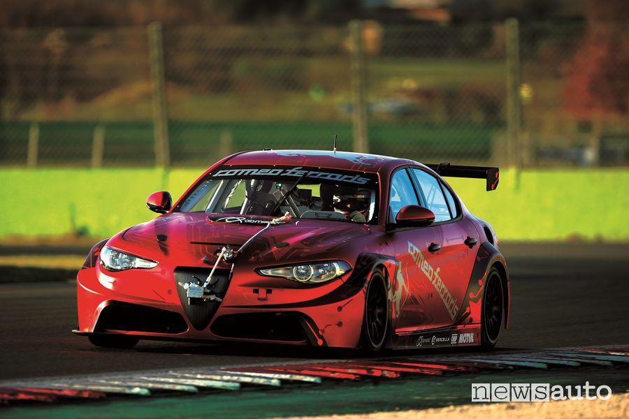 Alfa Romeo Giulia ETCR by Romeo Ferraris in pista a Vallelunga