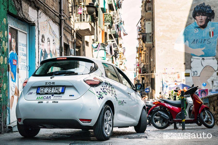 Renault Zoe E-Tech Electric car-sharing Amicar a Napoli nei Quartieri