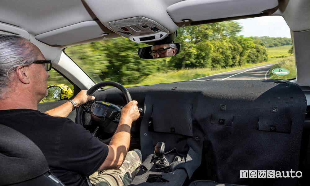 Alla guida del prototipo della nuova Opel Astra