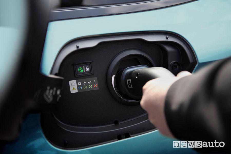 Connettore per la ricarica di tipo 2 AC nuova Peugeot 308 SW
