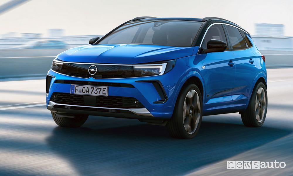 Nuovo Opel Grandland Hybrid4 2022