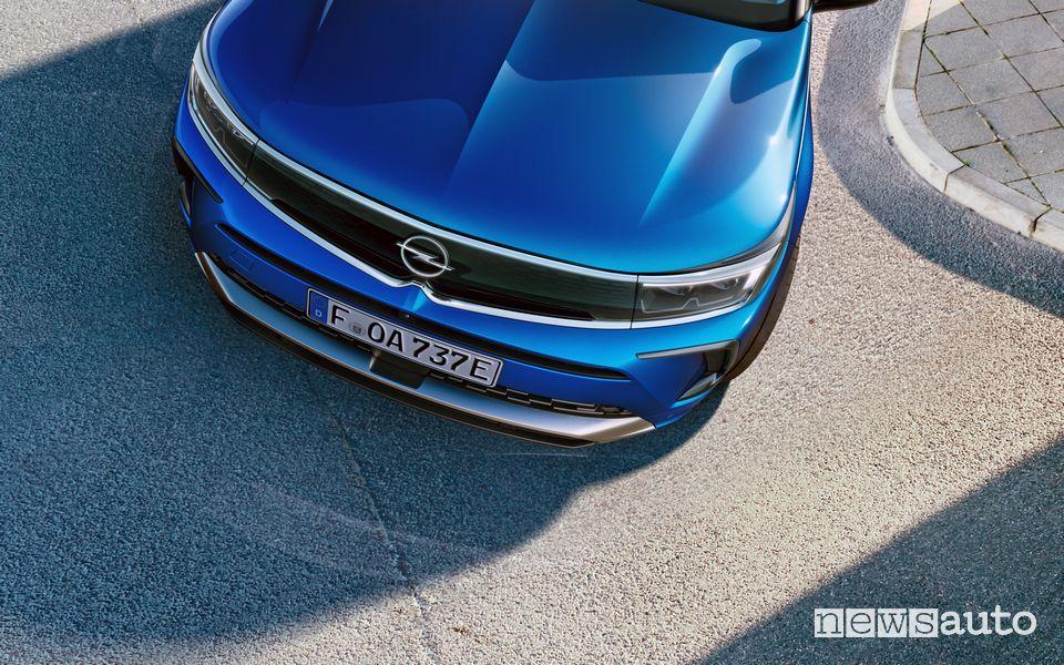 Frontale, mascherina anteriore nuovo Opel Grandland Hybrid4 2022