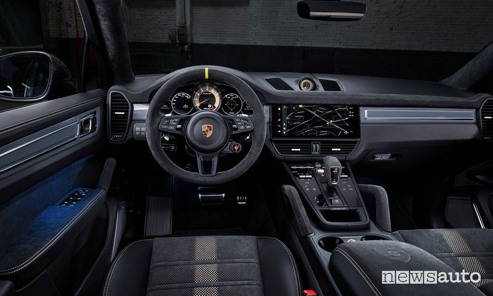 Abitacolo nuova Porsche Cayenne Turbo GT