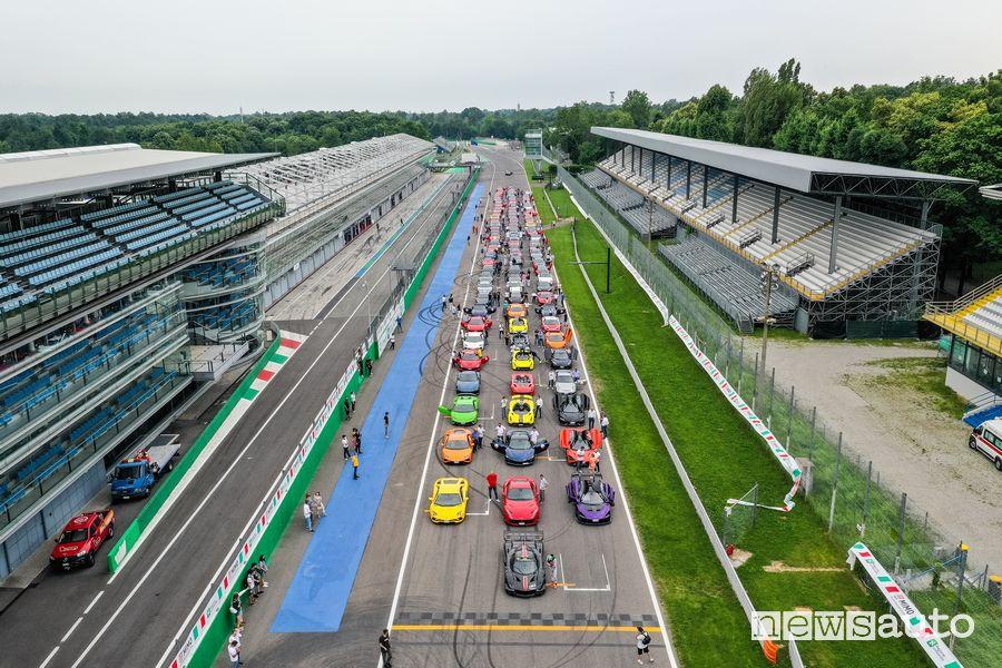 Supercar Night Parade in pista a Monza