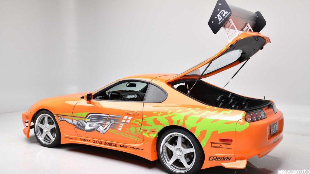 Toyota Supra di Paul Walker apertura baule