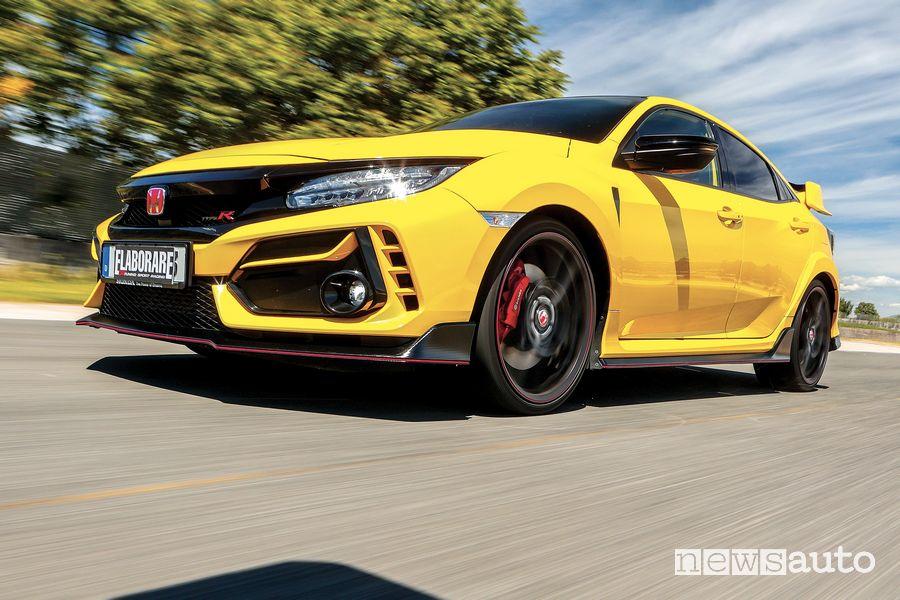 Vista di profilo Honda Civic Type R Limited Edition test all'ISAM di Anagni