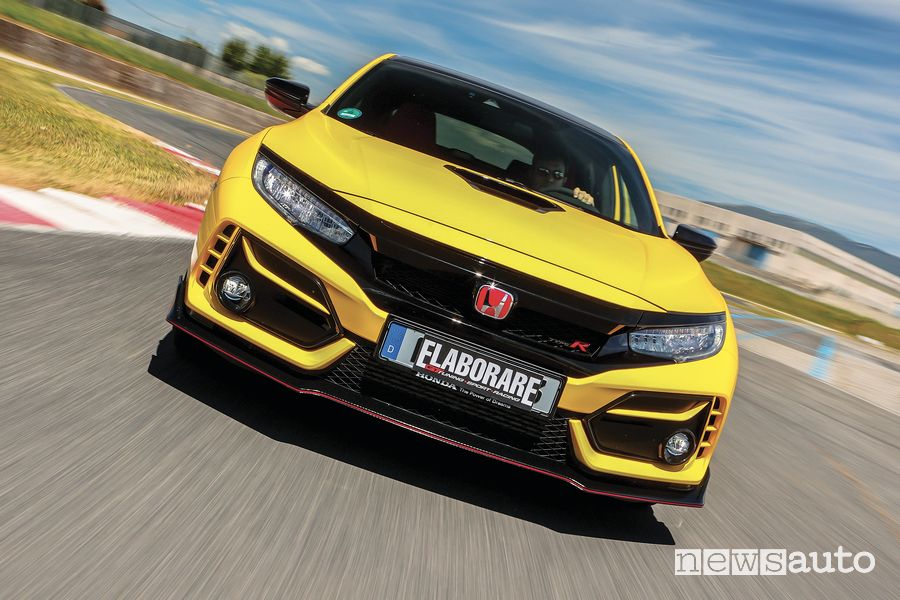 Front view Honda Civic Type R Limited Edition test at the Anagni ISAM