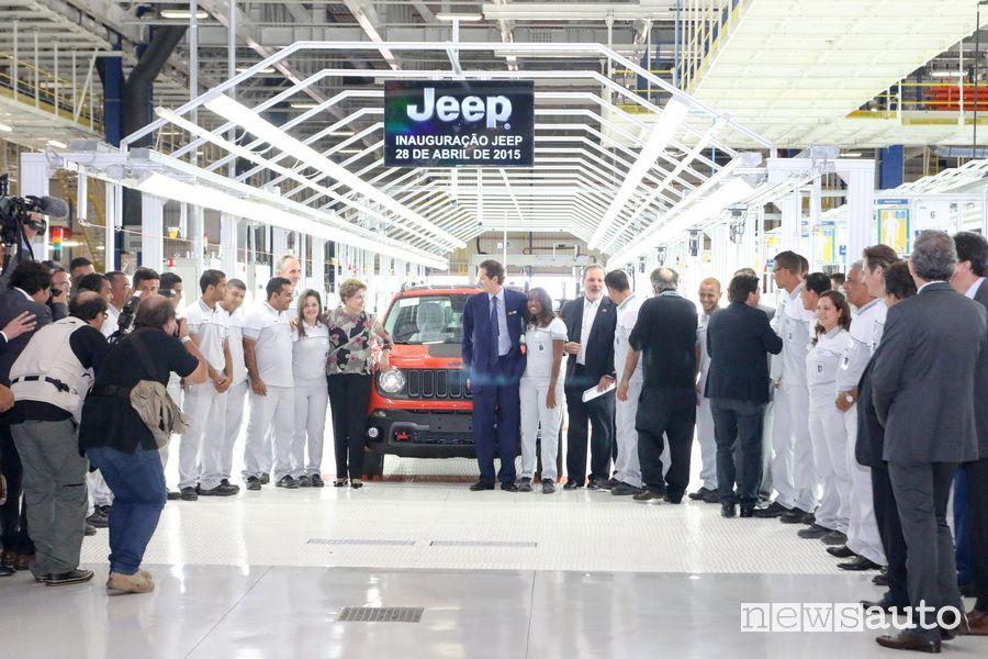 Linea di produzione Jeep Renegade in Brasile