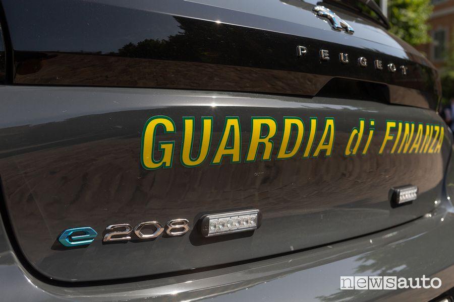 Luci a led allestimento Guardia di Finanza Peugeot e-208 elettrica