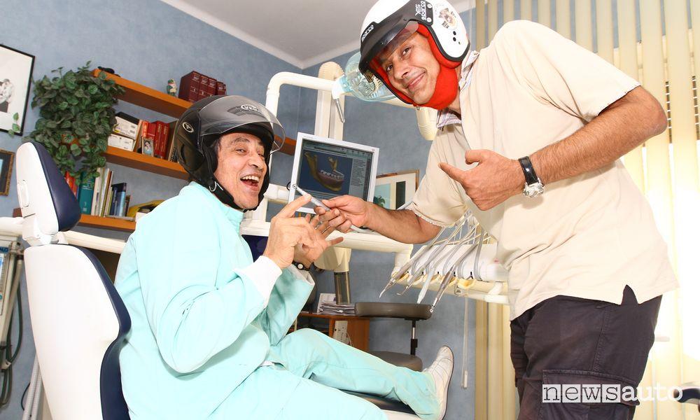 Il bite dentale per i piloti: a sx Pietro D'Agostino, Medico specialista in Odontoiatria, l'ideatore del Race Bite