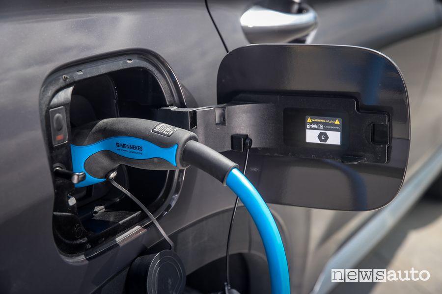 Presa di ricarica di tipo 2 nuova Hyundai Santa Fe Plug-In