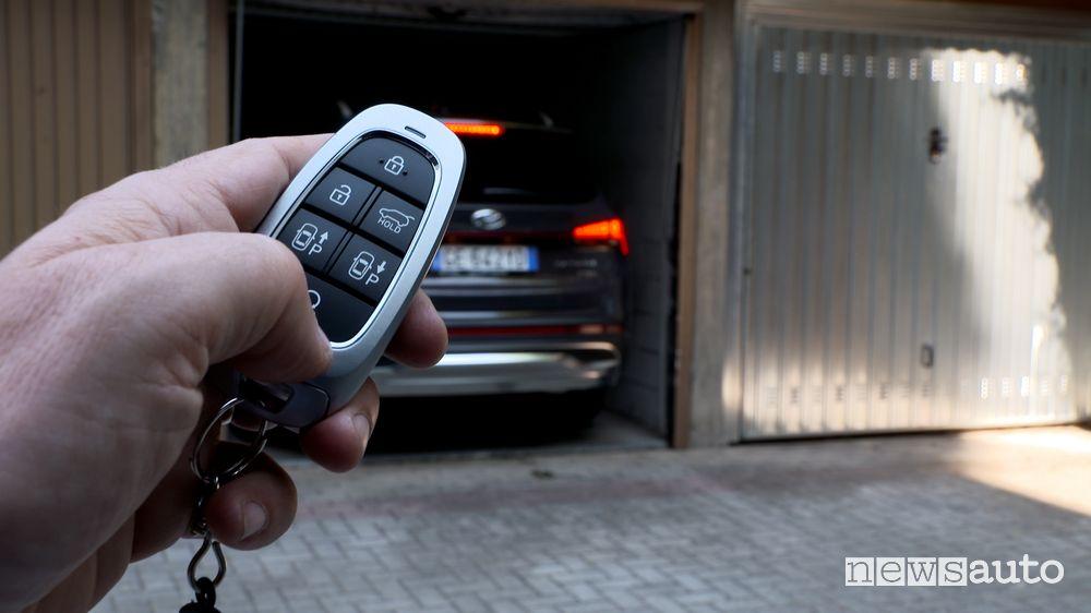 Chiave Remote Smart Parking Assist (RSPA) nuova Hyundai Santa Fe Plug-In