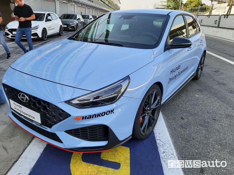 Vista di profilo Hyundai i30 N Performance a Monza