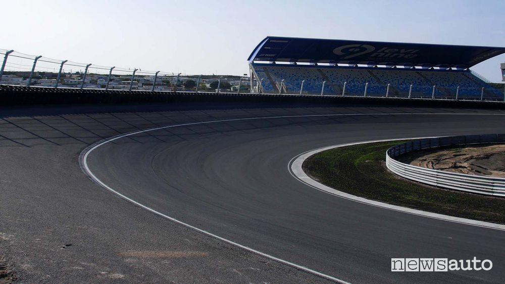 Curva soprelevata nel circuito di Zandvoort in Olanda