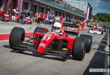 Formula 1 storica nella pit-lane ad Imola nell'Historic Minardi Day 2021