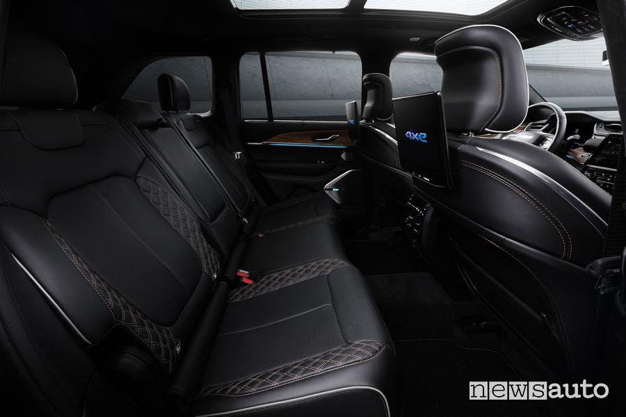 Sedili posteriori Fire TV abitacolo nuova Jeep Grand Cherokee