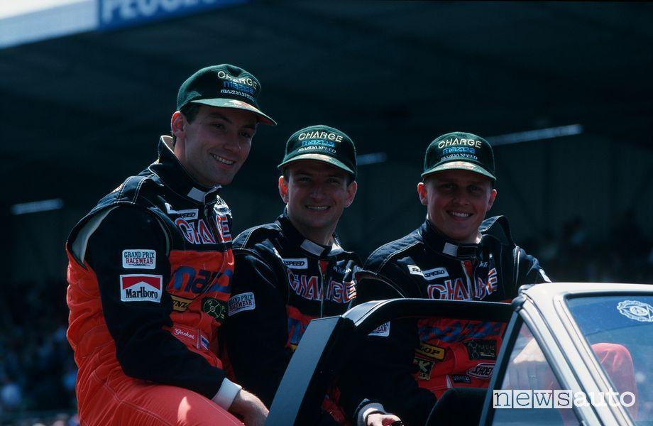 Piloti equipaggio Mazda Le Mans 1991: Bertrand Gachot, Volker Weidler e Johnny Herbert