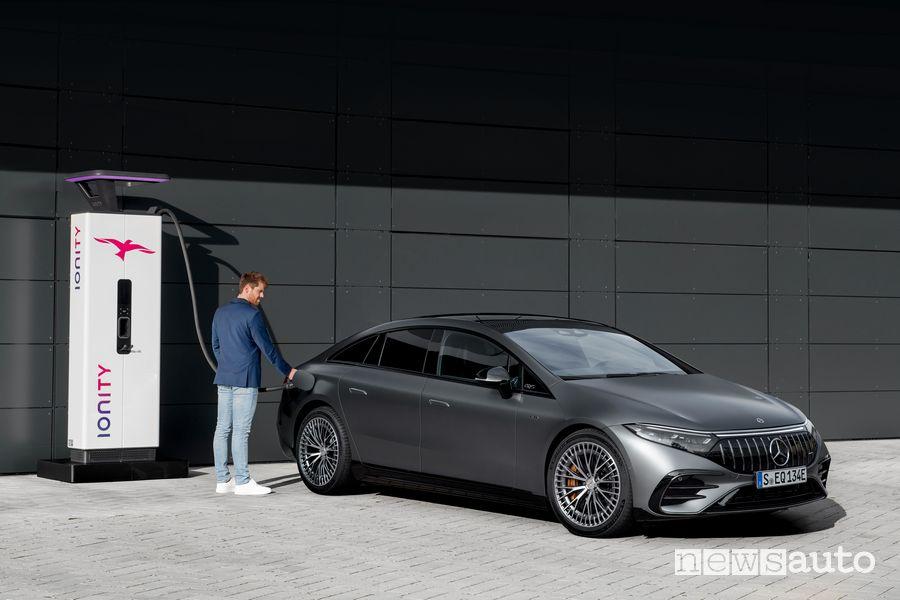 Mercedes-AMG EQS 53 4MATIC+ in ricarica rapida Ionity