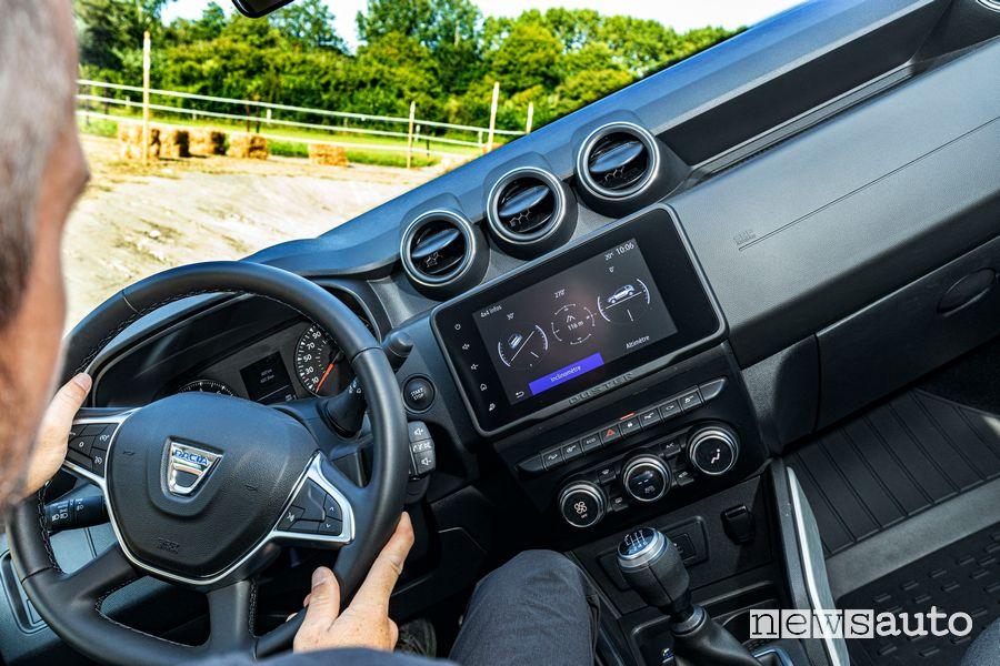 Alla guida del nuovo Dacia Duster 4x4 in off-road