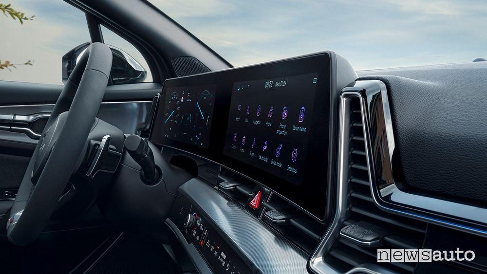 "Infotainment display curvo da 12,5"" abitacolo nuovo Kia Sportage GT Line"