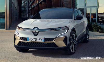 Vista di profilo nuova Renault Mégane E-TECH Electric