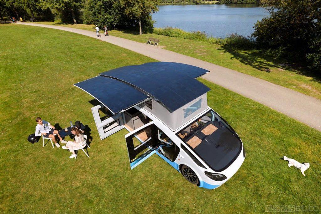 Pannelli solari che alimentano il camper elettrico Stella Vita