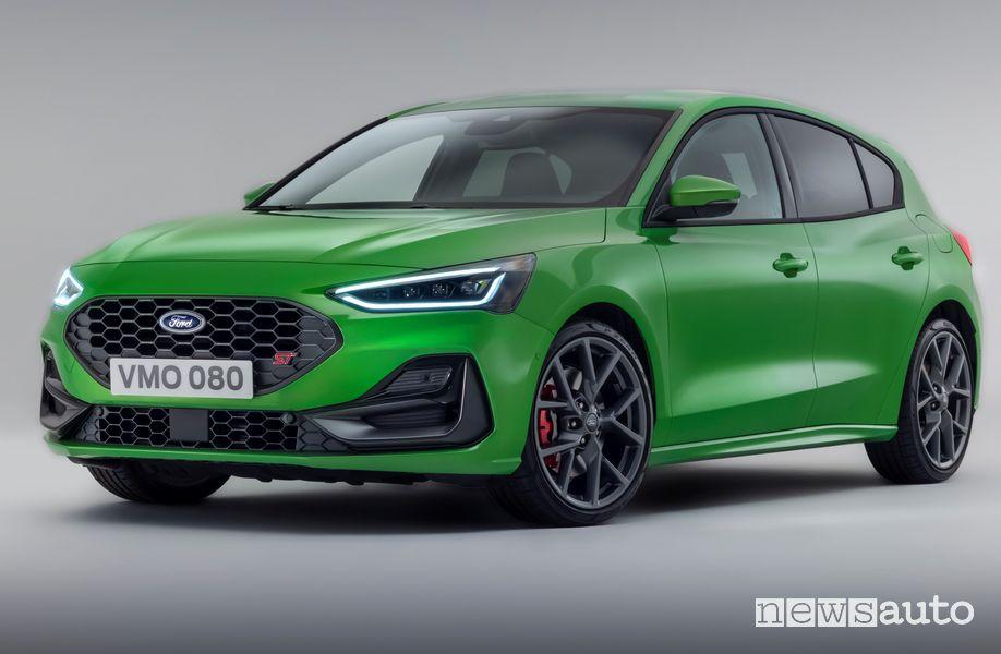 Vista di profilo nuova Ford Focus ST