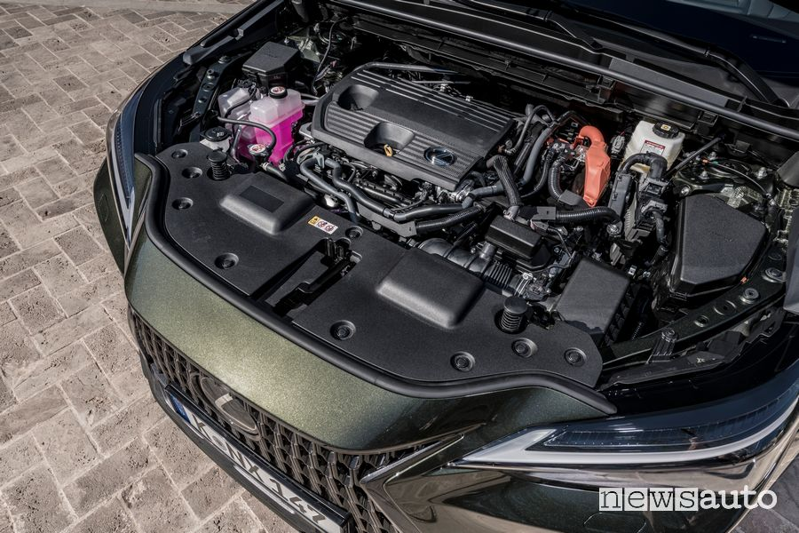 Vano motore nuova Lexus NX 350h