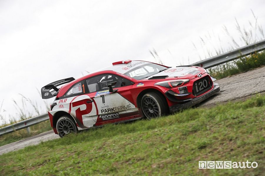 Rallylegend 2021 Poulsen su Hyundai i20 Coupé WRC Plus (2020)